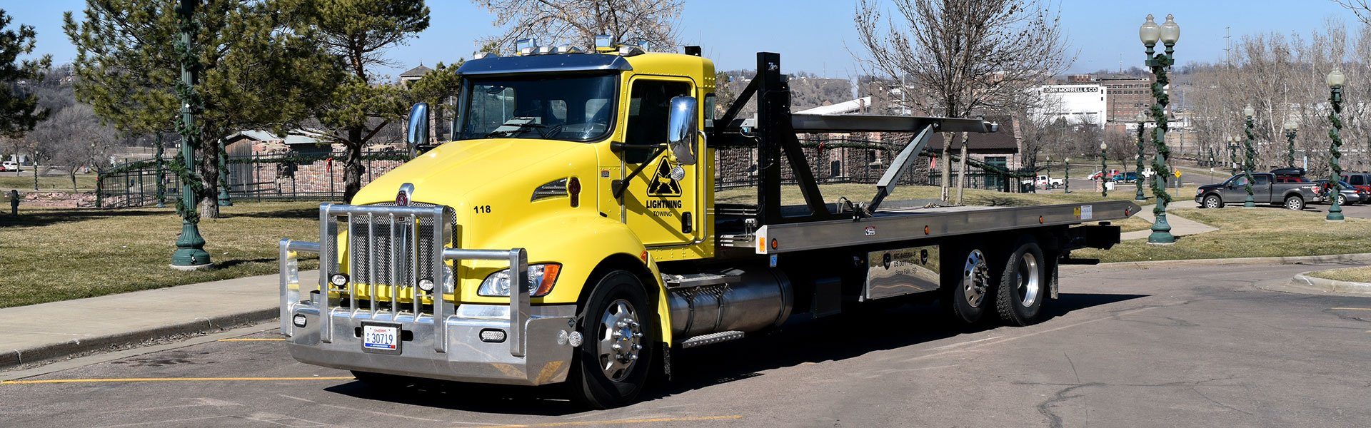 large towing truck sioux falls
